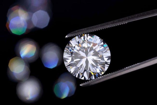 Фианит — камень, который создали советские физики