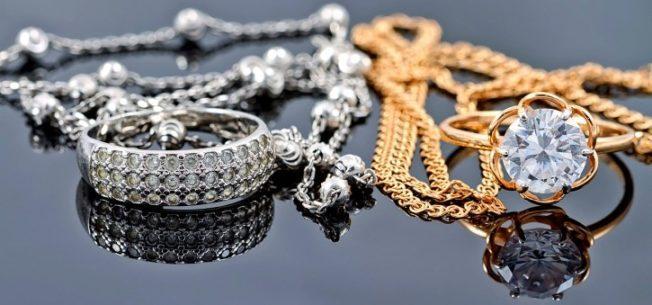 Способы носить золотые и серебряные украшения вместе