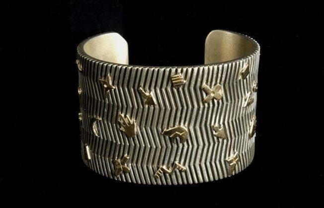 Браслет-манжета: украшение без застежки