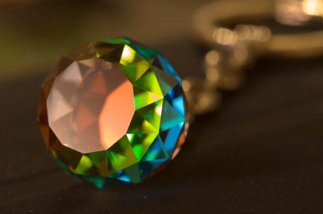 Как отличить оригинальные кристаллы Swarovski от имитации