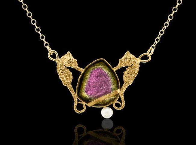 Турмалин — самый разноцветный камень