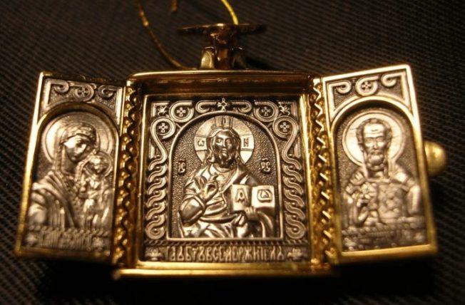Мужские православные ладанки: виды, значение, правила ношения
