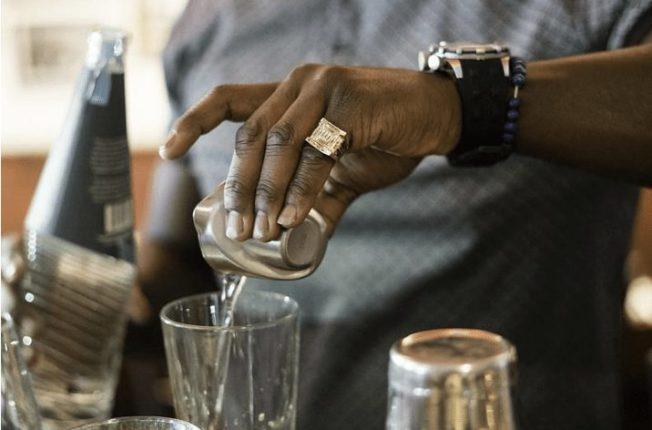 Кольцо на мизинец: украшение со скрытым смыслом
