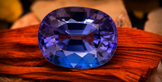 Танзанит — камень, который прославила Элизабет Тейлор