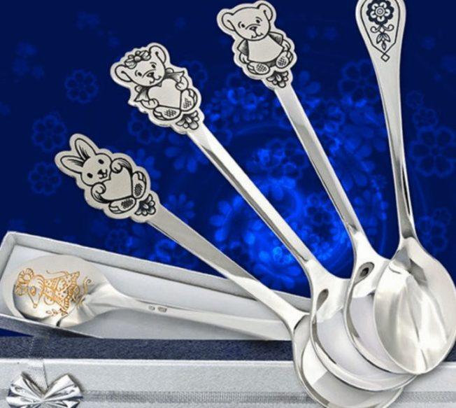 Как выбрать серебряную ложку на первый зубик