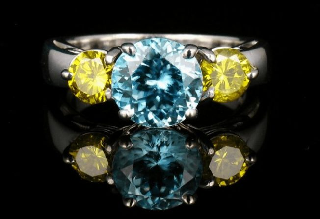 Кольца с тремя камнями: почему этот дизайн так популярен