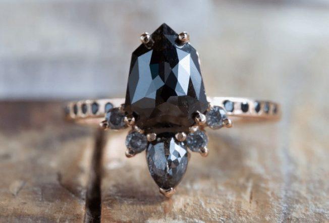 Черный алмаз: камень возрастом свыше 4 миллиардов лет