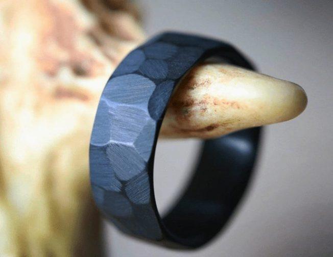 Черные обручальные кольца
