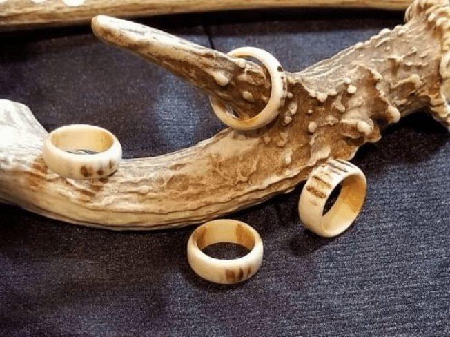 Олений рог — ювелирный материал с уникальной текстурой