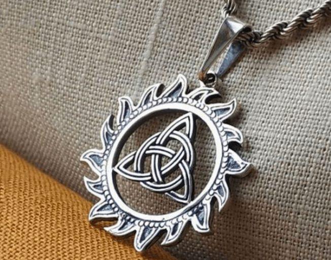 Подвеска Триглав — славянский символ единства и гармонии