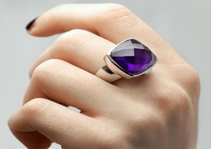 Обручальные кольца: приметы. Можно ли носить чужое обручальное ...
