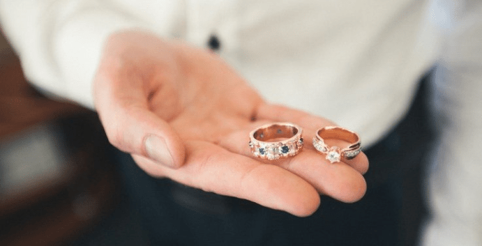 Можно ли носить и показывать кольца до свадьбы