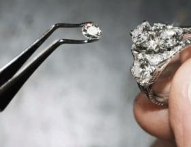 Выпал камень из кольца: как вернуть и предотвратить повторное выпадение