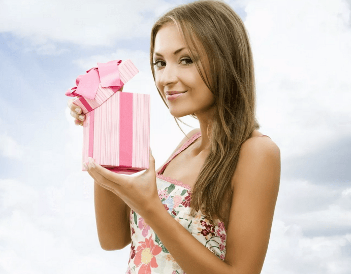 Что купить в ювелирном магазине дочери на 16-летие