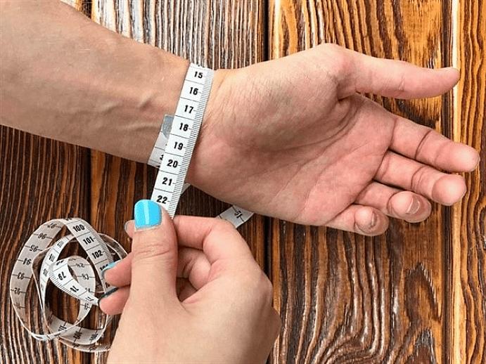 Наручный браслет 17 размер: сколько см? Принцип измерения длины аксессуара в таком случае у женщин и мужчин