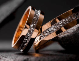 Сколько весит обручальное кольцо: как правильно определить?