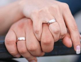 Покупать обручальные кольца: где лучше всего это делать?