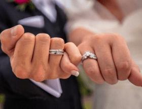Кто должен покупать обручальные кольца: приметы и суеверия