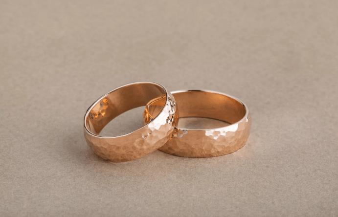 Чужие обручальные кольца – сулят ли счастье?