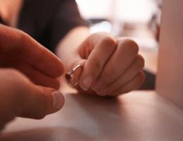 Как сдать кольцо в ломбард: полезные советы
