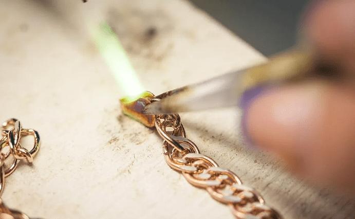 Что делать, если порвалась золотая цепочка?