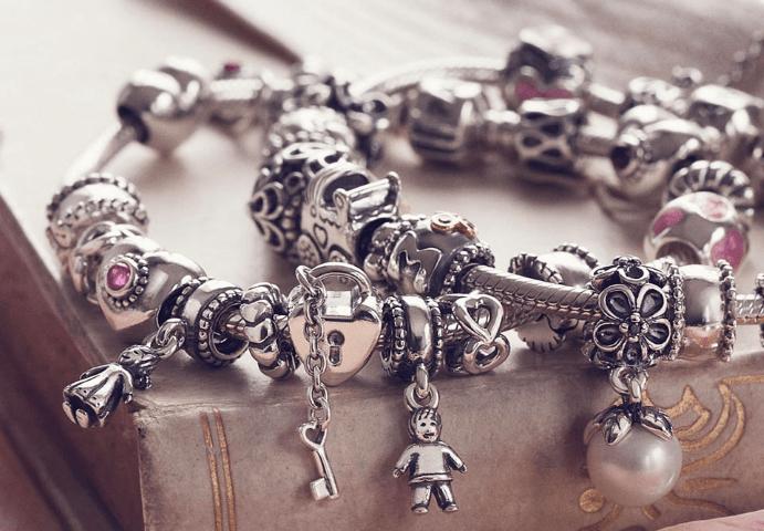 Как можно почистить браслет Пандора дома