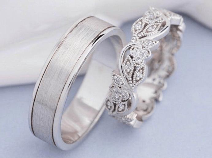 Какие обручальные кольца лучше: из белого золота или платины?