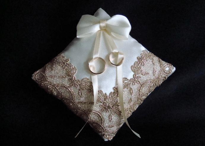 Подушечка для колец на свадьбу своими руками