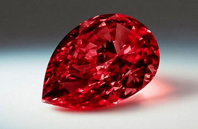 Красный алмаз — камень для инвесторов и коллекционеров