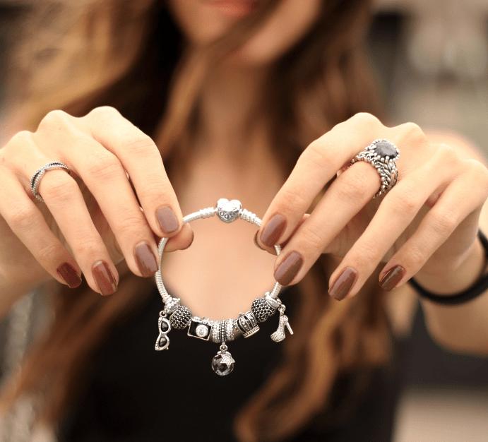 Как носить браслет Пандора?