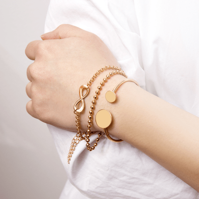 Как считается неправильным носить золотой браслет женщине?