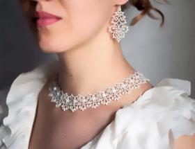 Как подобрать серьги под ожерелье