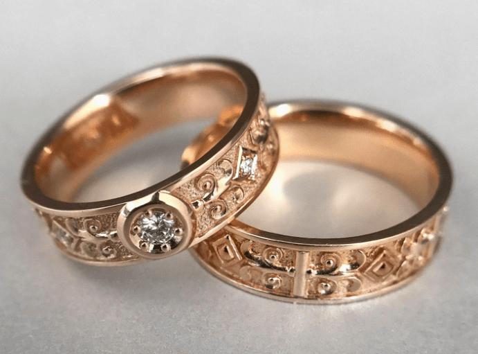 Обручальные кольца из желтого или красного золота: что лучше? Выбор в магазинах, цены