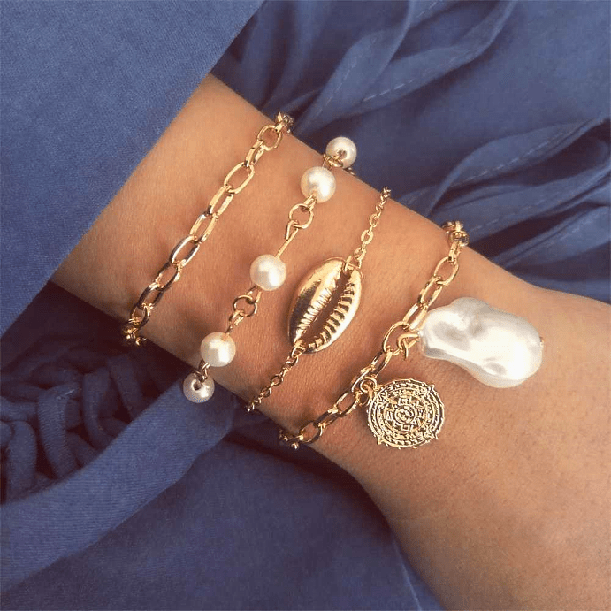 Женские золотые браслеты. С чем носить золотое украшение?
