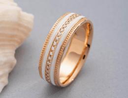 Обручальные кольца с эмалью — для самых ярких пар