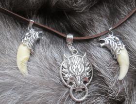 Подвеска Волк: бесстрашный, преданный, злой