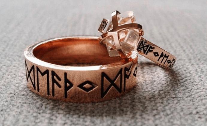 Языческие обручальные кольца. Можно ли носить православным