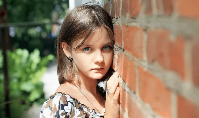 Сережки для девочек 12 лет: рекомендации по выбору