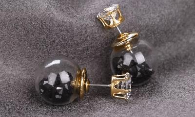 Стильные серьги пусеты с бусинкой и камнем