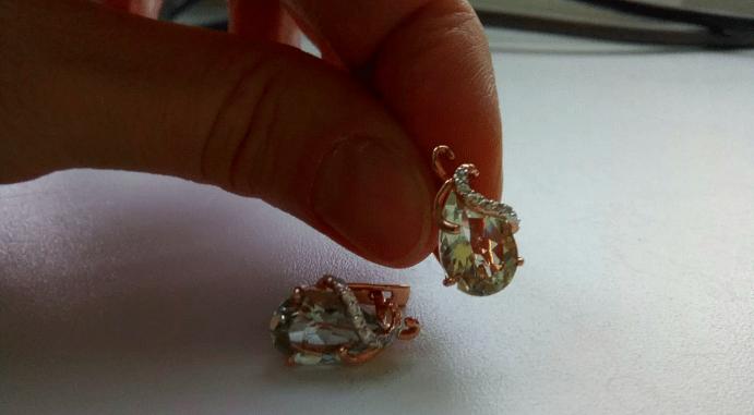 Как чистить золотые серьги с минералами