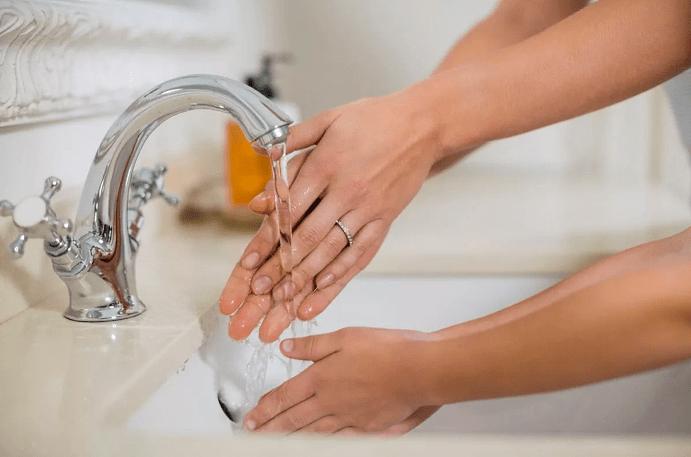 Вредно ли мыть руки, если вы носите обручальное кольцо