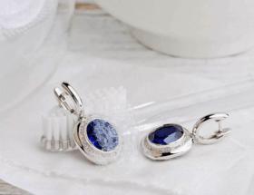 Почистить серебряные серьги: как правильно выполнить процедуру в домашних условиях