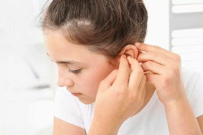 Через сколько зарастает ухо без сережки у детей?