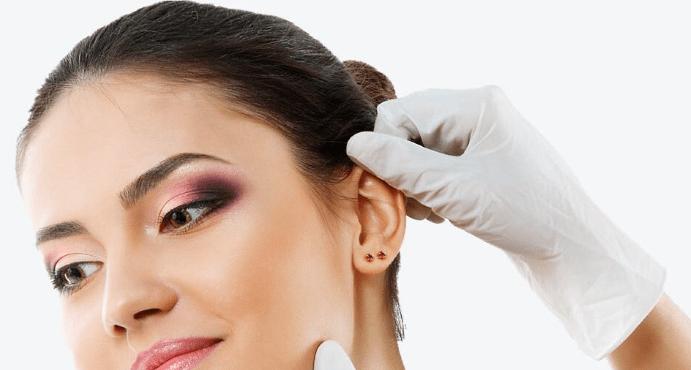 Неприятный запах от проколов в ушах: причины появления