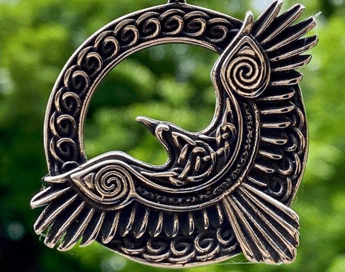 Подвеска Ворон, мифология, что означает украшение