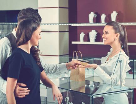Что купить в ювелирном магазине для молодой мамы
