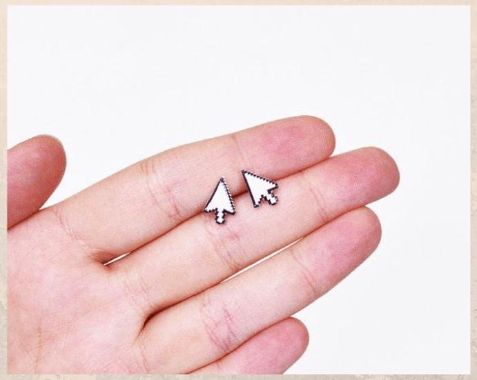 Ювелирные украшения для программиста: оригинальные идеи подарков. Пусеты