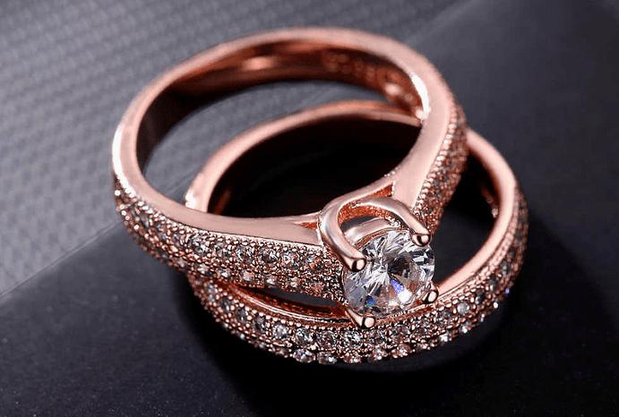 Украшения из розового золота: особенности металла и причины его популярности