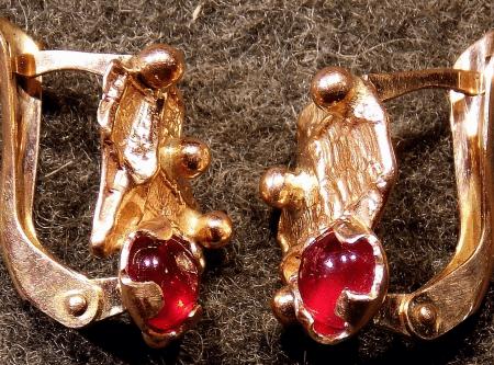 Обзор ассортимента украшений с рубином в золоте. Авторские серьги с рубинами