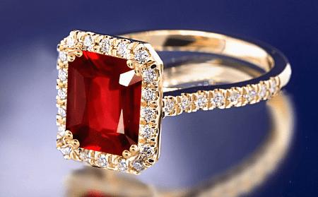 Обзор ассортимента украшений с рубином в золоте. Кольцо с рубином и бриллиантами